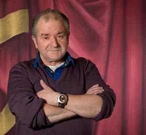 Colour portrait photograph of Kelvin Guy, head scenic artist at Scottish Opera (copyright Scottish Opera)